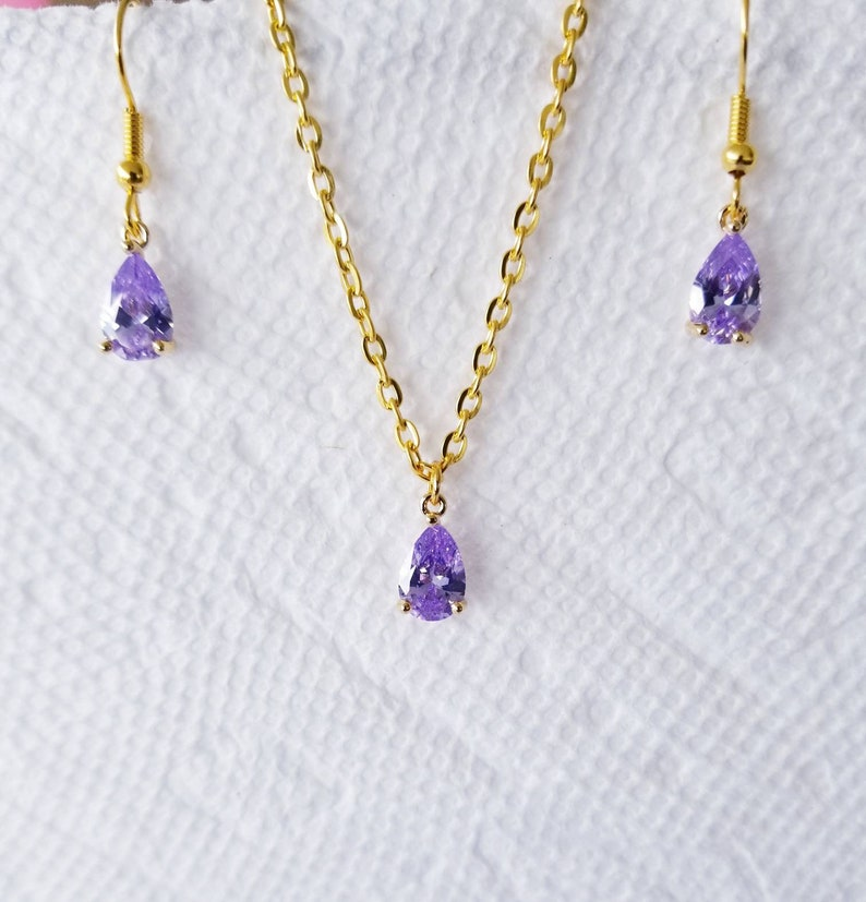 Lavender teardrop earrings and necklace