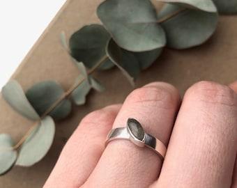 Labradorite Gemstone Ring, Unusual Gemstones, Birthday Gift, Anniversary Gift, Gifts For Her, Spiritual Energy Stone, Healing Crystals