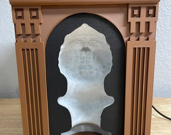 Haunted Mansion Following Bust With LED Light and Remote!