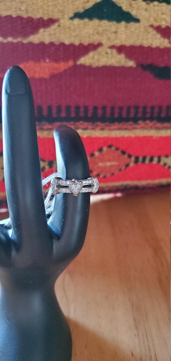 Motion Heart Ring