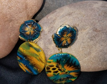 Blue Glass Focal Bead with Flowers #304 10 Pieces