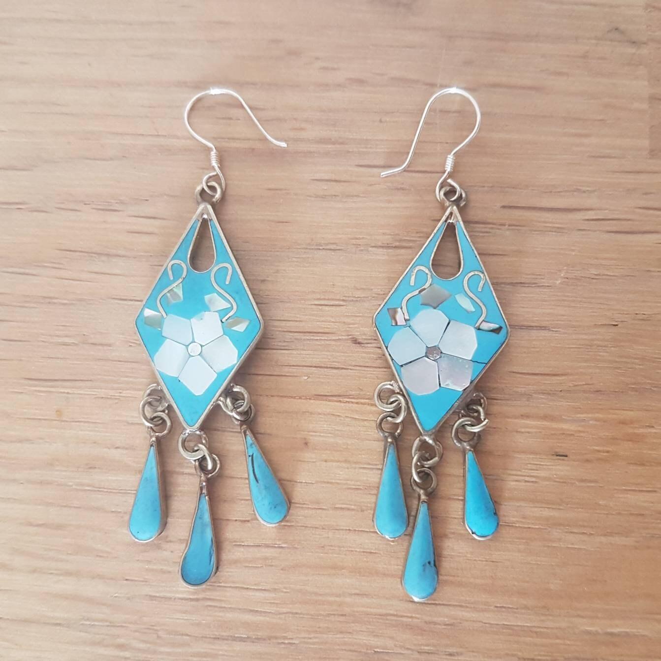 Mariposa Handmade Mexican earrings made of alpaca and abalone