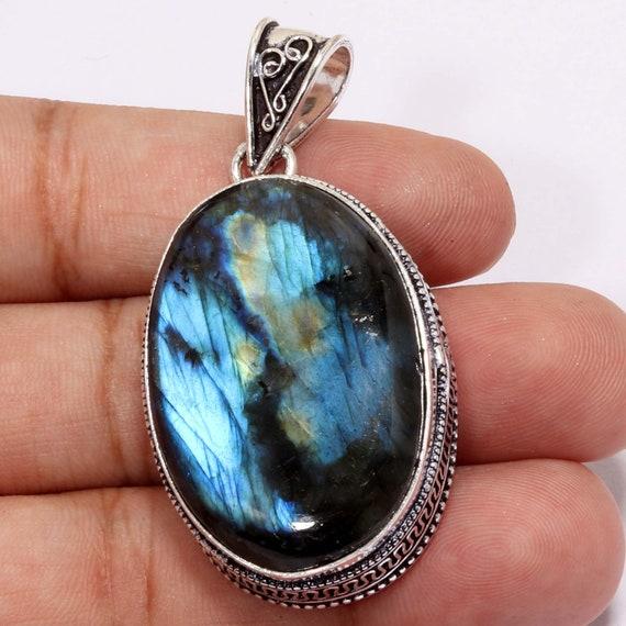 Vintage silver Genuine blue Labridorite Gemstone necklace.