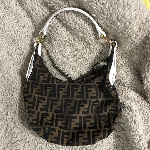 Fendi baguette bag (Authentic)