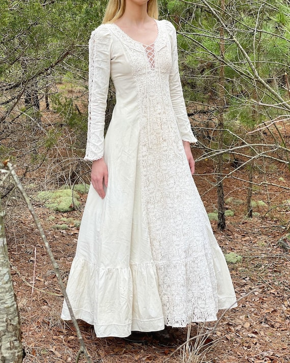 Gunne Sax 1960's ivory lace gown! - image 1