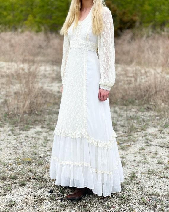 Vintage Gunne Sax 1970's lace gown! - image 2