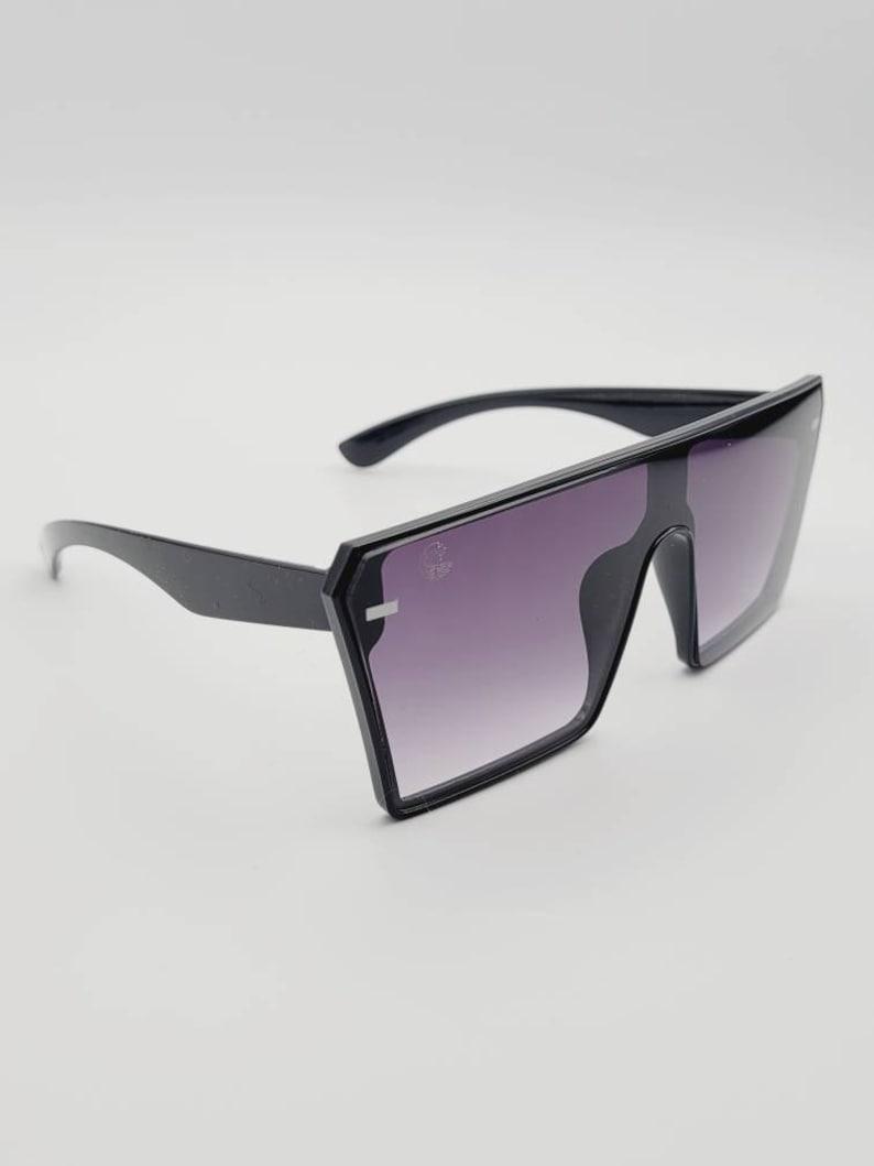 Large fashion sunglasses