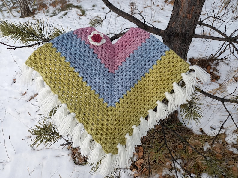 Knitted poncho for girls  Toddler knit poncho  Baby girl outfit