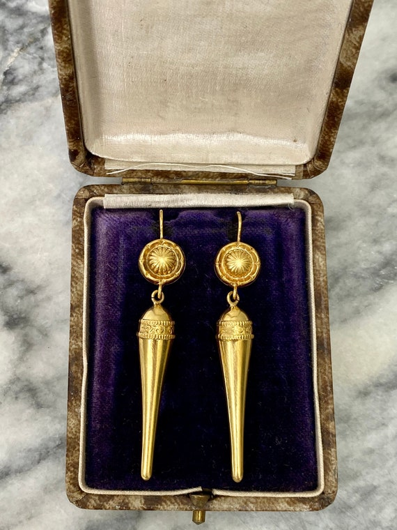 Victorian 9ct gold Etruscan style drop earrings