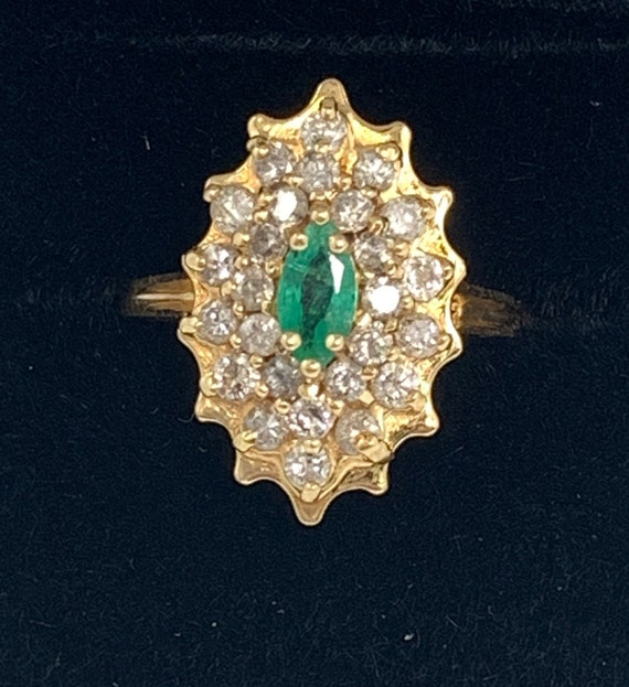 Vintage Emerald and Diamond Ring - image 10