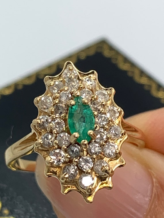 Vintage Emerald and Diamond Ring - image 5