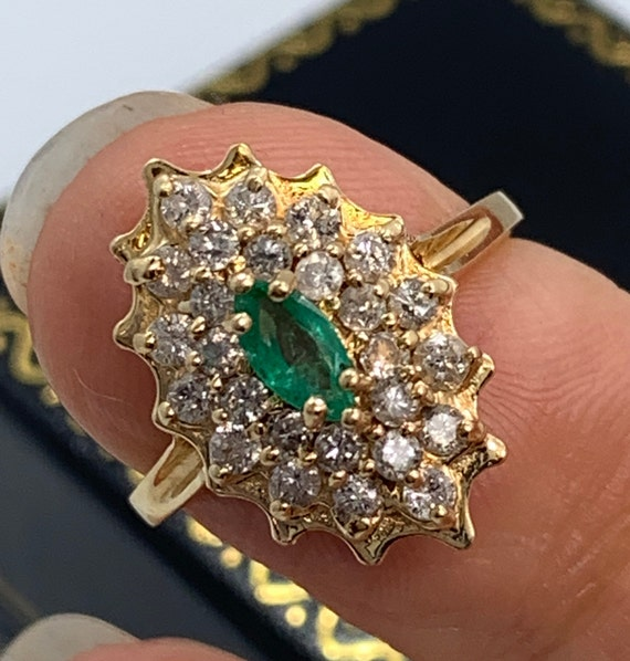 Vintage Emerald and Diamond Ring - image 4