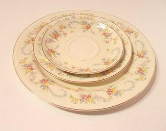 Vintage Homer Laughlin Eggshell Nautilus Rose Pattern Dinner Saucer Salad Plates