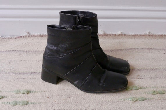 90's vintage square toe black leather ankle boots