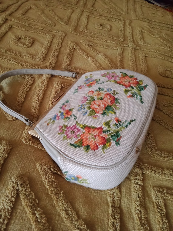 Vintage needlepoint bag / floral / tapestry