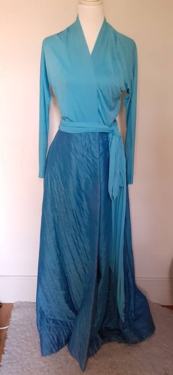 Vintage 1950s handmade hostess dress or house dres