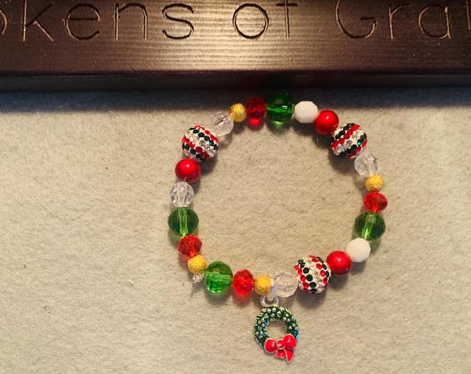 Christmas Wreath Beaded Stretch Bracelet