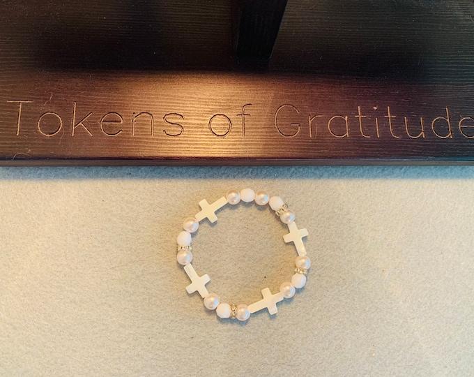 Seashell Cross (white) beaded bracelet