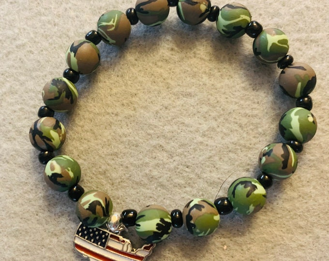 Camouflage bracelet with American flag charm