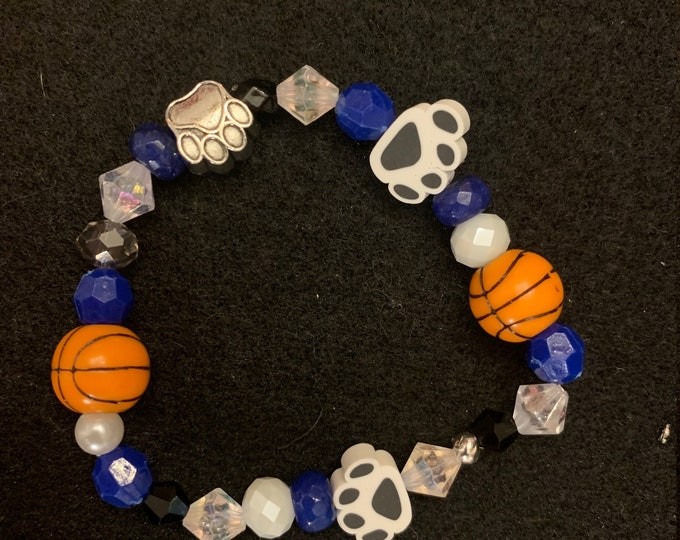 Poland Bulldogs Basketball Earring and Bracelet Set (multiple sports available)