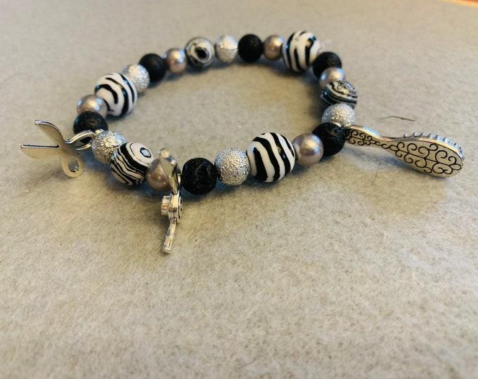 Hairdresser Appreciation Beaded Bracelet (buyer chooses color scheme or as pictured)