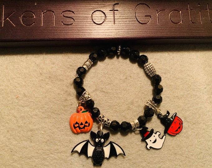 Halloween beaded stretch bracelet with charms