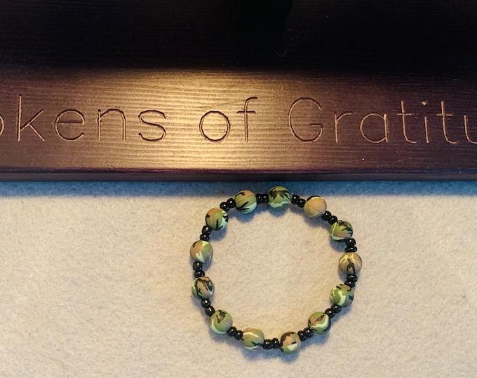 Camouflage beaded bracelet