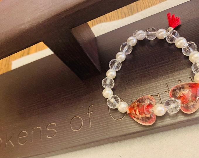 Heart beaded stretch bracelet