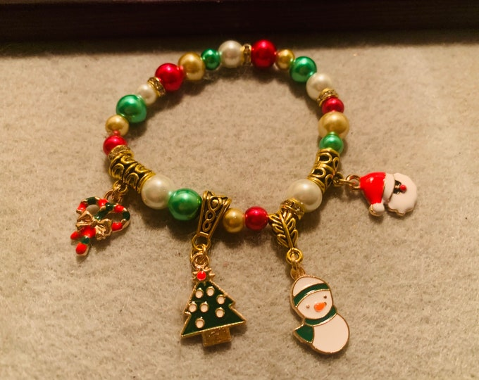 Christmas Beaded Stretch Bracelet with charms