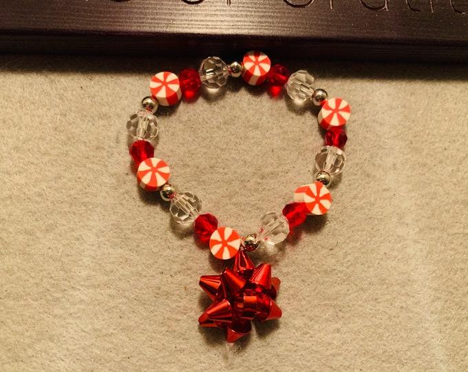 Christmas Bow Beaded Stretch Bracelet