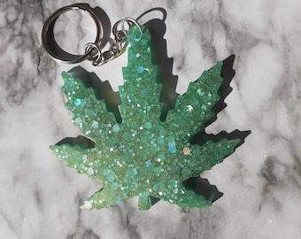 Green Leaf Resin Keychain Green Shimmer Leaf Glitter Leaf Keychain Bag Charm Resin Art Leaf Keychain Gifts for her Nature lover gift