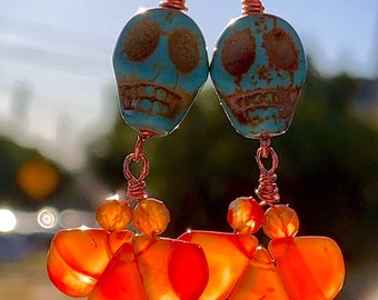 Carnelian and howlite crystal skull earrings, day of the dead earrings, dia de Los muertos earrings, Halloween