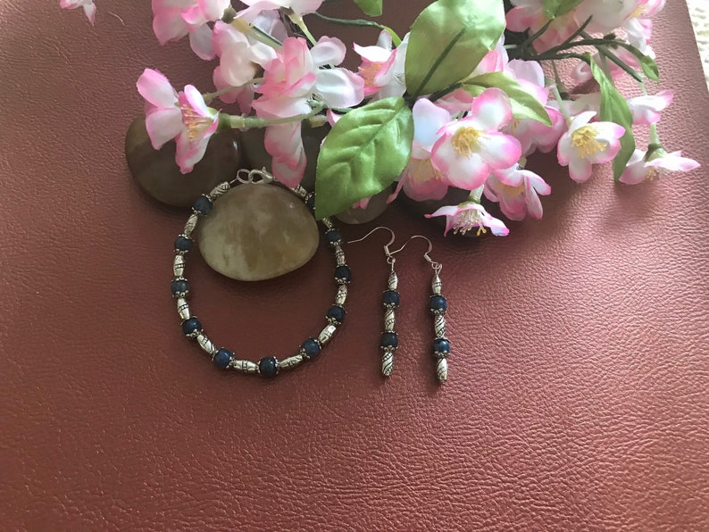 Lapis Lazuli /& Silver Bracelet 8\u201d with Matching Earrings 2\u201d.