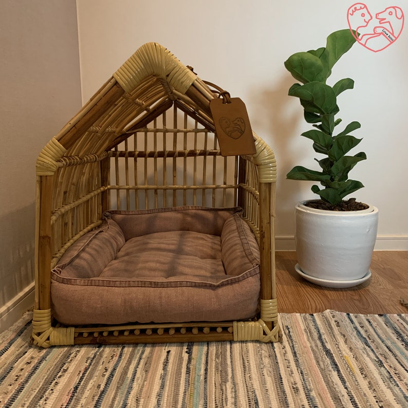Rattan dog house with cushion