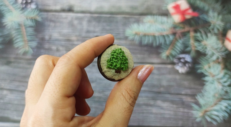 Unique Handmade Gift Embroidery Button Badge Full Kit \u2013DIY Beginner Hand Embroidery \u2013 Vintage Style Plant Pin Badge