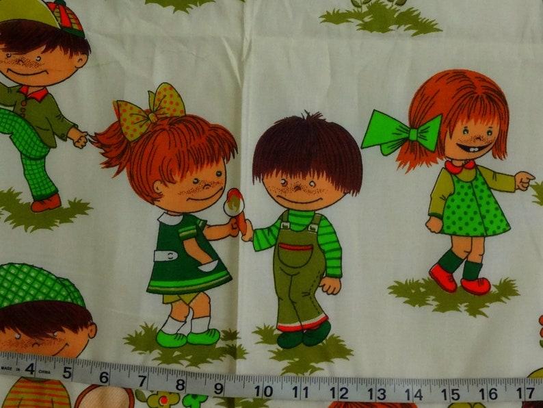 Vintage Little Children Playing Retro Cotton Fabric BTY 1970/'s Vtg 44 Wide