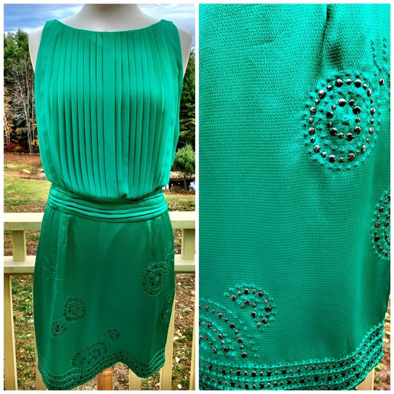 Gorgeous Emerald Green Blouson Cocktail Dress with