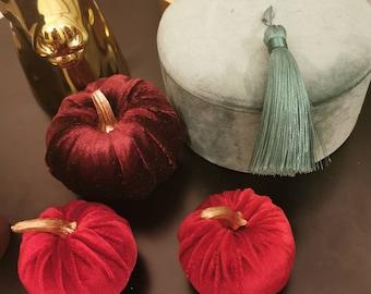 Set of 3 small velvet pumpkins