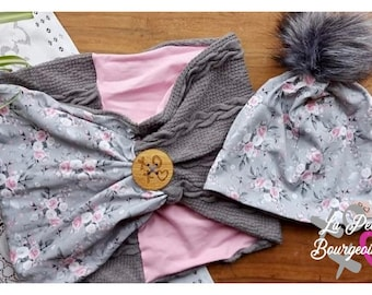 Toque set with removable gray synthetic tassel and pleated scarf small pink flowers