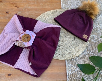 Set toque lined with polar and butterfly scarf decorated with a wooden button, adult size