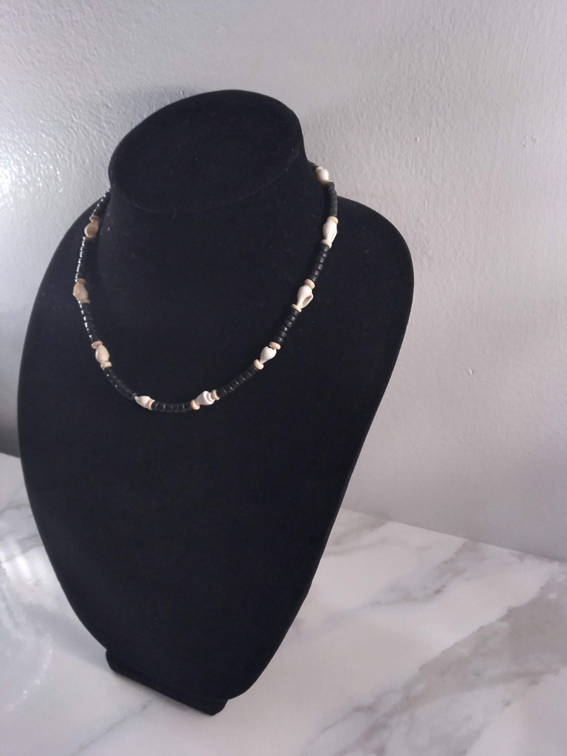 Black /& White Sea Shell Beaded Necklace