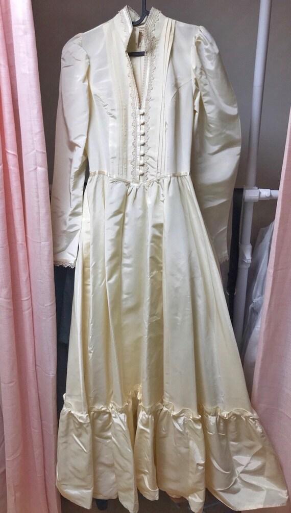 Vintage Gunne sax wedding dress/victorian style d… - image 3
