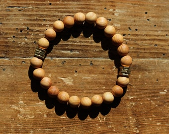 Essential Oil Diffuser Bracelet: Natural Sandalwood with Gold Washers