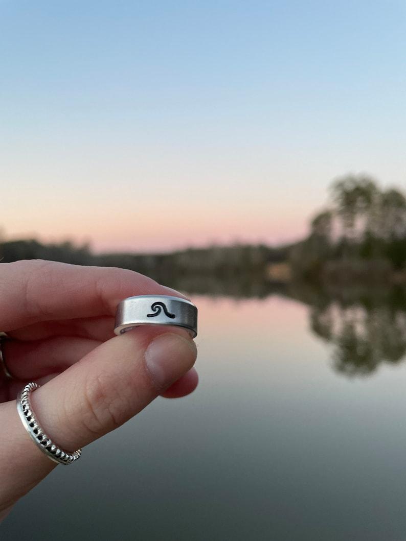 Wave stamped ring