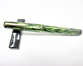 Cavalier Lever Fill Fountain Pen Antique Marbled Green with #4 Durium Nib WORKING CONDITION UNKNOWN