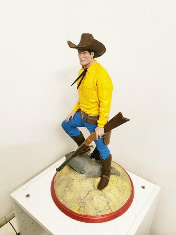 Tex Willer comic book figurine