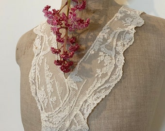 Vintage Lace Collar With Couching On Fine Silk Crepe. Romantic Antique Lace Collar. Historic .