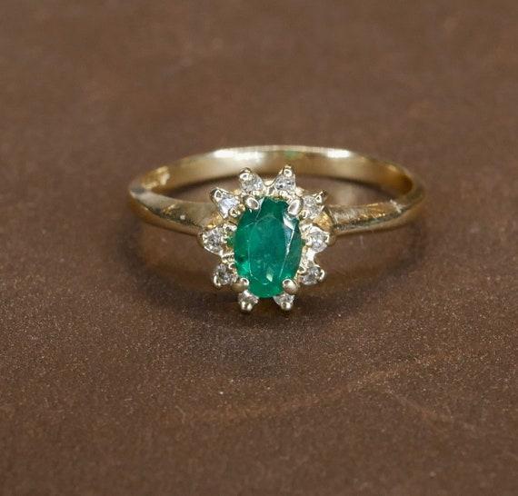 antique Emerald halo ring