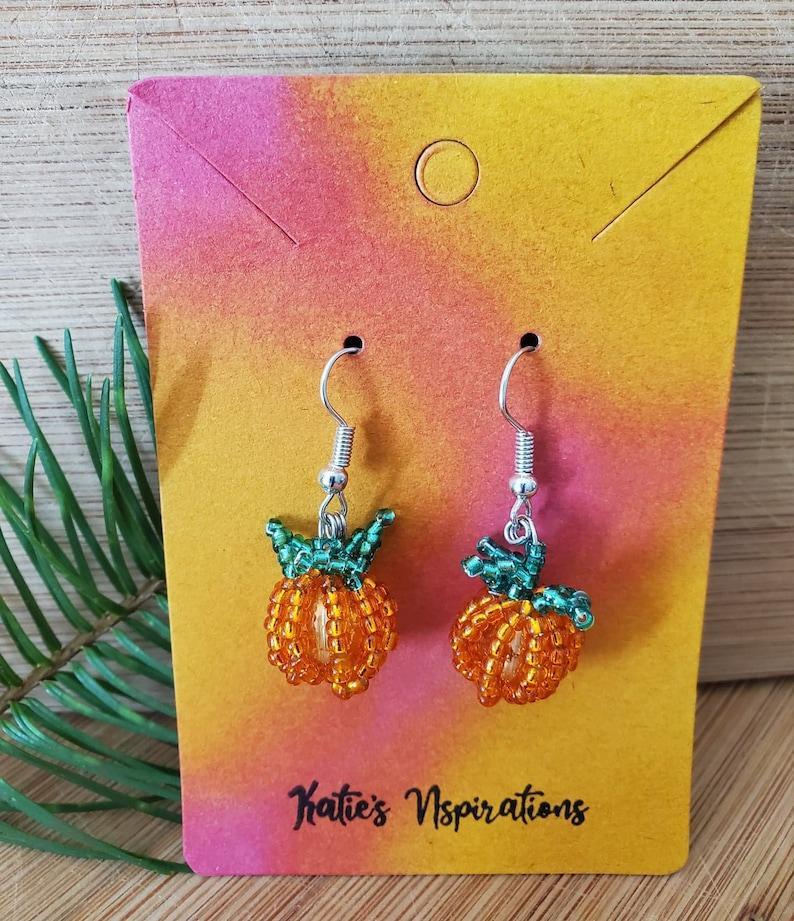 Beaded Pumpkin Charm Jewelry Set