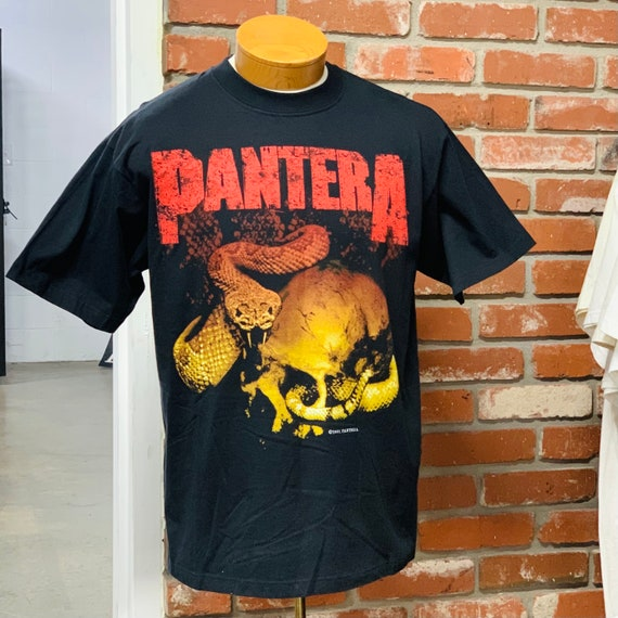 Pantera new vintage shirt. 2001 winterland tour te